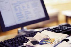 Υποσχόταν ρύθμιση χρεών και «ξάφριζε» τους πελάτες