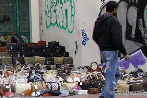 Επιχείρηση κατά του παραεμπορίου στο Περιστέρι
