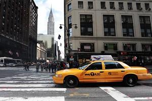 Πρόστιμο στους ταξιτζήδες που μεταφέρουν πόρνες