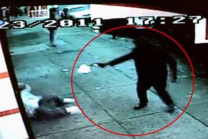Νεαρός δολοφονήθηκε μπροστά στην κάμερα