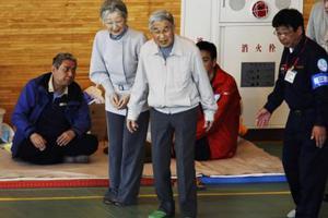 Στις πληγείσες περιοχές ο ιάπωνας αυτοκράτορας