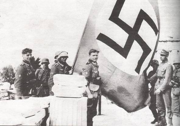 nazi%207 Σαν σήμερα το 1941 οι Γερμανοί εισέβαλαν στην Αθήνα