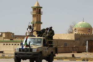 Μαίνονται οι μάχες παρά τις διαβεβαιώσεις Καντάφι
