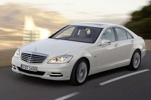 Ηλεκτροκίνητη S-Class ετοιμάζει η Mercedes