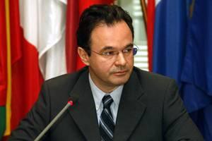 «Κανείς δεν μπορεί να βγάλει την Ελλάδα από το ευρώ»