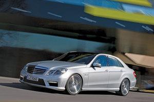 Με εκρηκτικές επιδόσεις η Mercedes E63 AMG