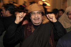 Ο Καντάφι δεσμεύτηκε να «νικήσει» το ΝΑΤΟ