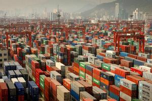 Αυξήθηκαν οι κινεζικές εξαγωγές