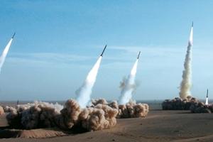 Η Τεχεράνη έκανε δοκιμές σε πυραύλους μεγάλου βεληνεκούς