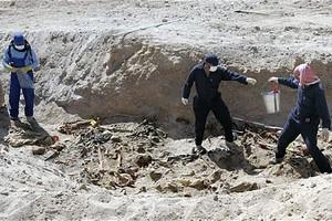 Ανακαλύφθηκε ομαδικός τάφος στη Ντεραά