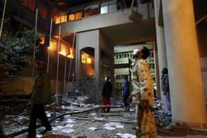 Το ΝΑΤΟ καλεί το στρατό του Καντάφι να λιποτακτήσει