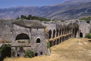 Ξήλωσαν τους προβολείς του κάστρου των Ιωαννίνων