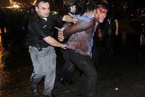 Διαδηλωτής παρέσυρε και σκότωσε αστυνομικό