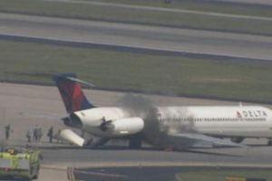 Φωτιά σε αεροσκάφος της Delta