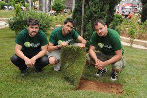 «Πρασινίζει» η πλατεία Αγ. Αντωνίου στο Περιστέρι