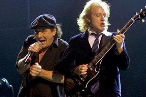 Σενάρια... συνταξιοδότησης για τους AC/DC
