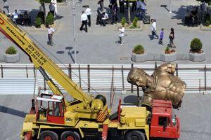 Γκρίνιες για το υπέρογκο κόστος του αγάλματος του Μ. Αλέξανδρου