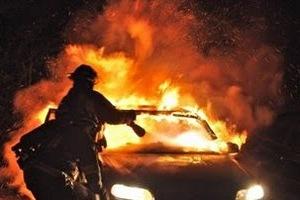 Οχήματα του ΟΤΕ έκαψαν οι εμπρηστές στο Μαρούσι