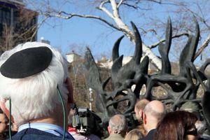 Βεβήλωσαν το μνημείο του Ολοκαυτώματος στη Θεσσαλονίκη