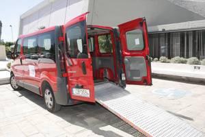 Όχημα για τη μεταφορά ΑΜΕΑ στο ΑΠΘ