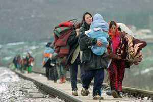 Σύροι πρόσφυγες συνεχίζουν να συρρέουν στην Τουρκία