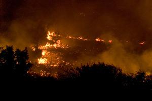 Σε εξέλιξη η φωτιά στα Ιωάννινα