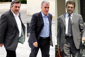 Ορκίζονται οι τρεις των νέων υπουργείων