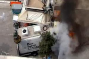 Στις φλόγες βαν εταιρείας κινητής τηλεφωνίας