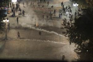Εκτεταμένη χρήση δακρυγόνων στο Σύνταγμα