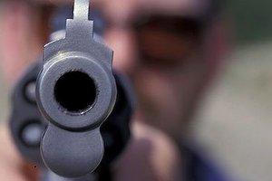 Έβγαλαν όπλο σε κατάστημα γαλακτοκομικών