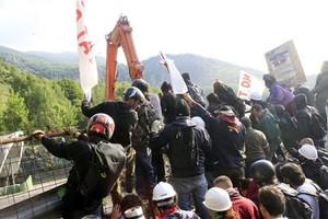 Συγκρούσεις στο Τορίνο με αφορμή την κατασκευή σιδηροδρομικής γραμμής