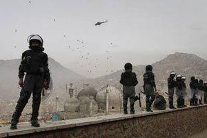«Τείχος» για να κλείσει τα σύνορα χτίζει το Ιράν