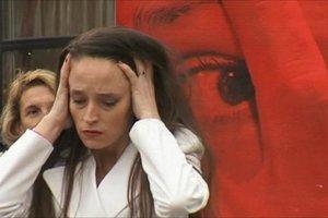 Η Ρωσία αποποινικοποιεί την ενδοοικογενειακή βία
