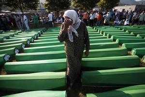 «Στη Σρεμπρένιτσα το 1995 διαπράχθηκε γενοκτονία»