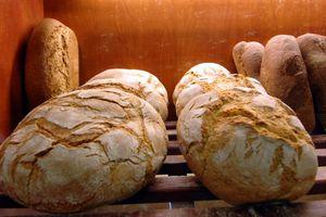 Φρεσκοψημένο ψωμί βγήκε σήμερα μέσα από τα ερείπια της Βρισάς