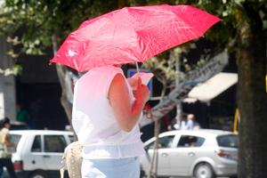 Συστάσεις για τη μείωση των ρύπων λόγω καύσωνα