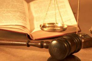 Συνεχίζουν τις κινητοποιήσεις δικηγόροι-εισαγγελείς