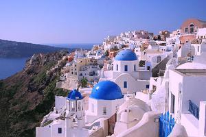 Σαντορίνη και Κρήτη ανάμεσα στα καλύτερα νησιά του κόσμου
