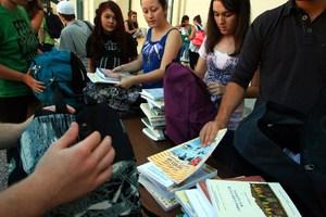 Bazaar βιβλίου στο Περιστέρι