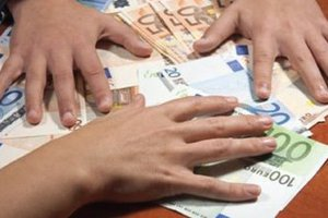 Βρήκε 900 ευρώ και τα επέστρεψε