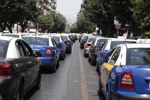 Νέα συζήτηση για τις πιάτσες των ταξί