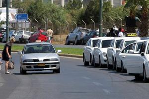 Μακάβρια… διαμαρτυρία ιδιοκτητών ταξί στη Σάμο