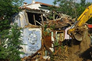 Κατεδαφίστηκαν παράνομες κατασκευές στο Μπάλο