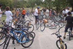 Ποδηλάτες και πεζοπόροι ενώνουν τις δυνάμεις τους