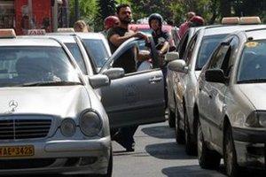 «Εμφύλιος» στους ιδιοκτήτες ταξί της Λέσβου