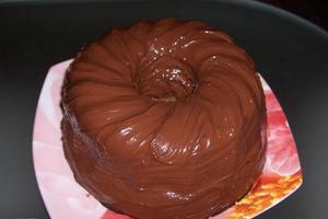 Αφράτο κέικ με μπανάνα και σοκολάτα