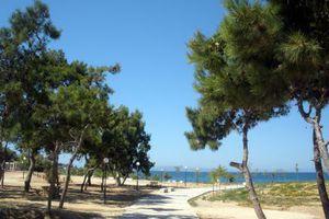 Ολοκληρώθηκε η ανάπλαση της παραλίας του Αγ. Κοσμά