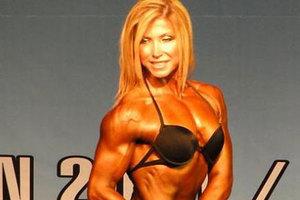Έδειρε την πρωταθλήτρια bodybuilding γυναίκα του