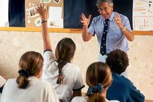 Απολύθηκε δάσκαλος επειδή έκανε μάθημα για… βρισιές
