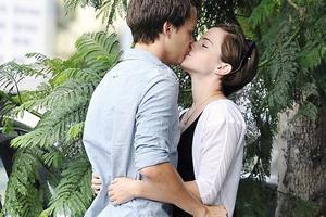 Τελικά βρήκε άντρα η Emma Watson!